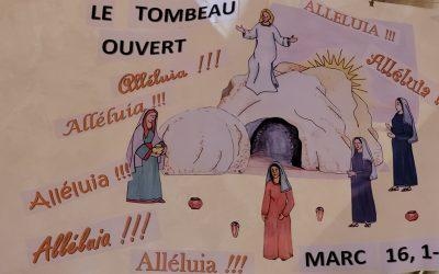 Les enfants du caté découvrent Pâques